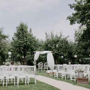Stoelen Witte Stoelen.Stoel Wit Huren Brisked Styled Weddings