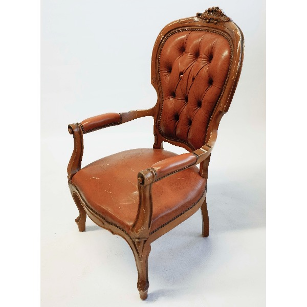 Leren Fauteuil Chesterfield.Leren Vintage Fauteuil Chesterfield Huren Brisked Styled Weddings